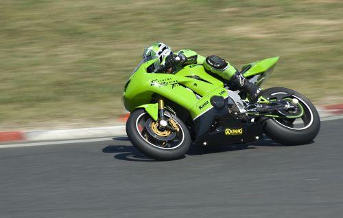 motorcycle circuit race
