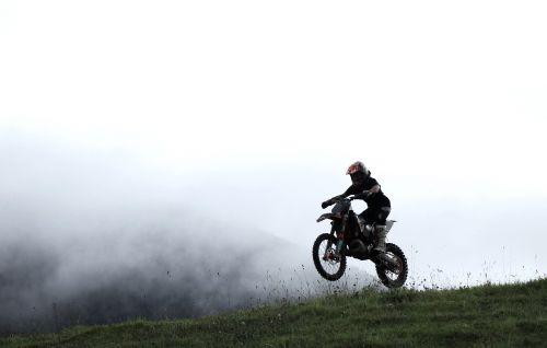 motociklas,enduro,ktm,ekstremalios,purvas,dviratis,motorsportas,purvas,ratas,motorcross