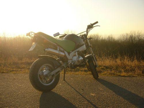 motorcycle motor roller