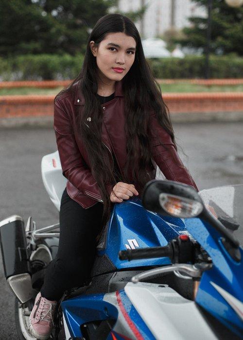 motorcycle  girl  brunette
