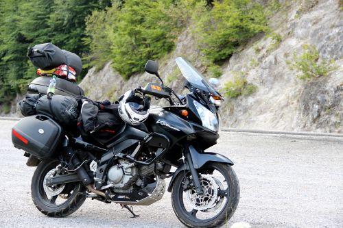 motorcycle suzuki travel