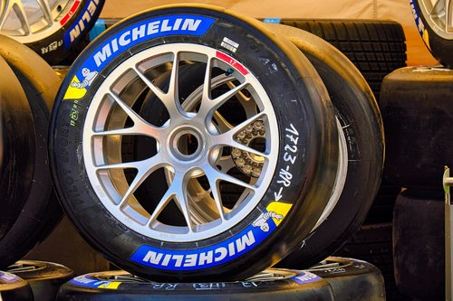motorsport  car racing  alloy wheels