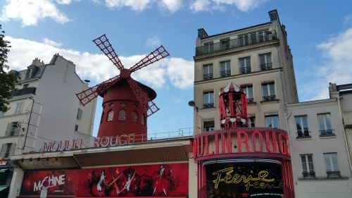 moulin rouge paris rouge