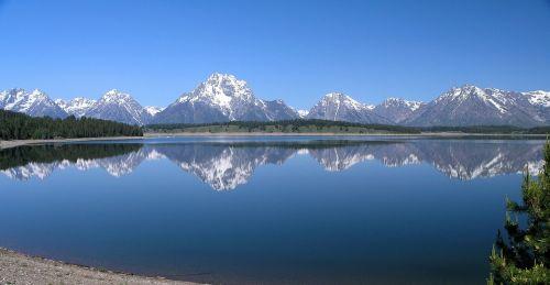 mount moran jackson lake reflection