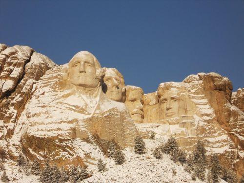mount rushmore monument winter