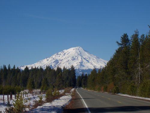 mountain shasta snow