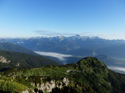 kalnas,dangus,rūkas,gamta,kraštovaizdis,lauke,kalno viršūnė,piko,gamtos kraštovaizdis,grazus krastovaizdis