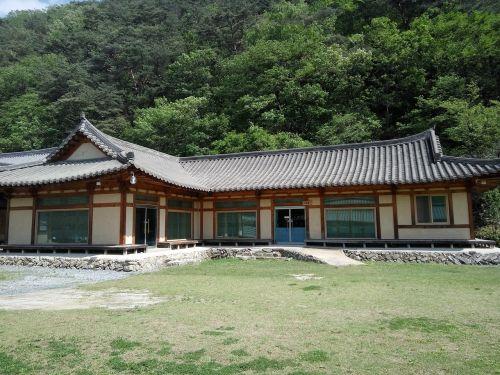 kalnas,hanok,architektūra,tradicinė grindų danga,Korėjos architektūra
