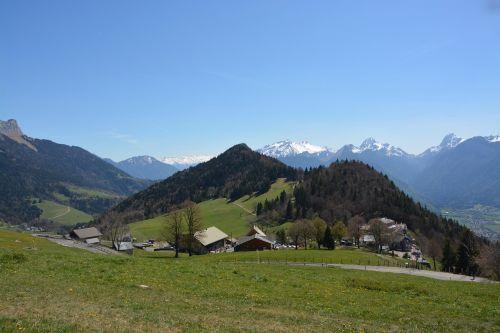 mountain village hautes alpes