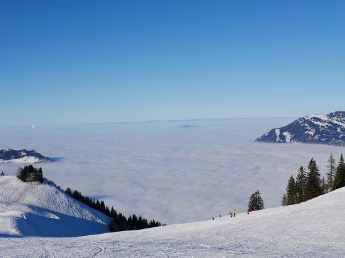 mountain skiing sea of fog