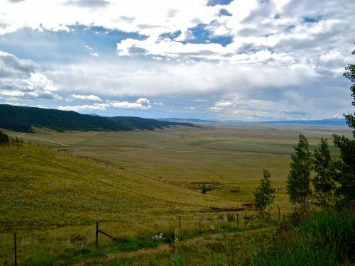 kalnas,slėnis,kalnų slėnis,žalias,kraštovaizdis,gamta,kelionė,dangus,lauke,piko,kalnas,miškas,praeiti,kalnų praėjimas,žemė,peizažas,Šalis