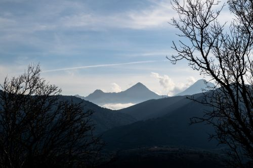 kalnas,Highland,aukščiausiojo lygio susitikimas,tamsi,saulėtekis,saulėlydis,medis,augalas,gamta,kraštovaizdis,dangus