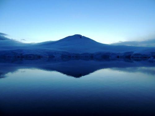 mountain en antarctica