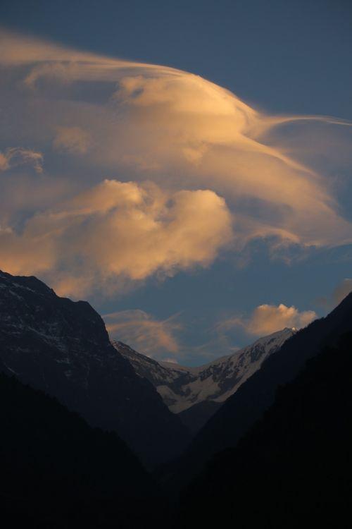 mountain cloud morning