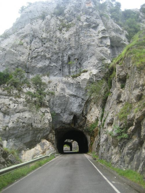 mountain tunnels road