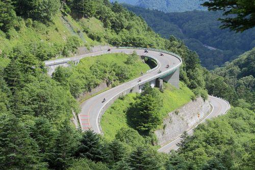 mountain road pass