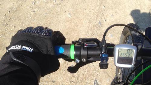 mountain bike tour bike