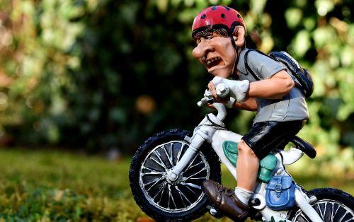 mountain bike cyclists cycling