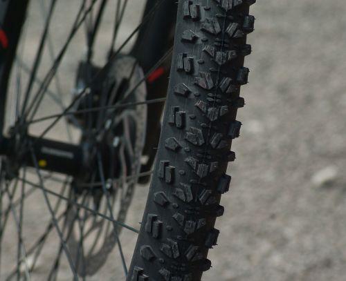 mountain biking wheel tire