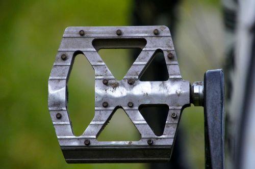 mountain biking pedal crankset
