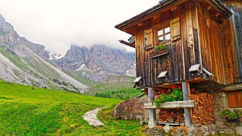 mountain lodge lodge refuge