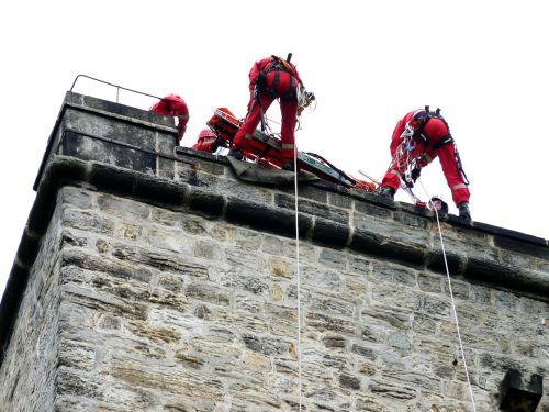 mountain rescue rock climb