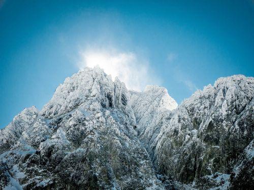 mountain sun sun rays vysoké tatry