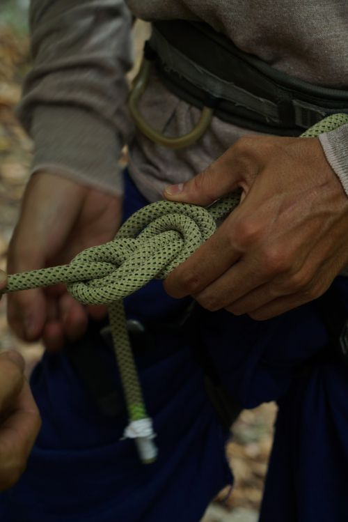 mountaineering knot climb