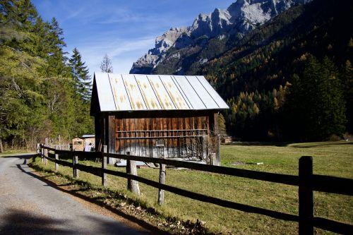 kalnai,Alpių,abėcėlė,namelis,medienos statyba,Alpių kelias,turėklai