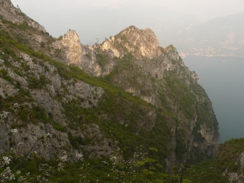 mountains garda hiking tour