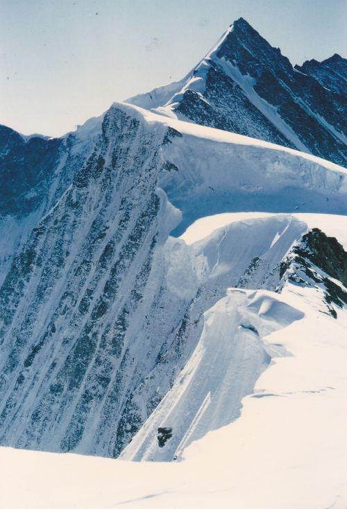 mountains switzerland alpine