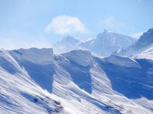 kalnai, kraigas, vulkanas, akmenys, sniego karnizas, sniego dramos, nuosėdos, slėnis, gamta, aukštis, sniegas, atvira erdvė, akmenys, kalnų peizažas, šlaitai, kalnuose, viršūnės, kelionė, žiema, miškas, be honoraro mokesčio