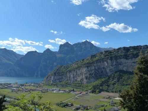 mountains garda monte brione