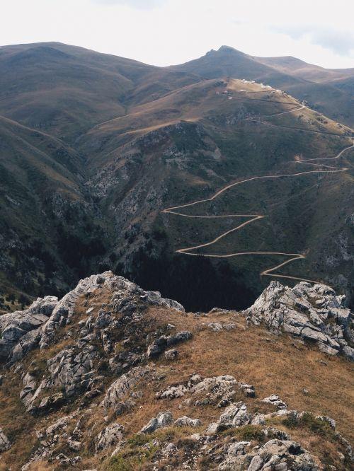 kalnai, vaizdas, kelias, praeiti, į kalną, lenkta, serpentines, diapazonas, kraštovaizdis, vijimas, gabenimas, gatvė, akmenys, akmenys, aukštas, aukštis virš jūros lygio