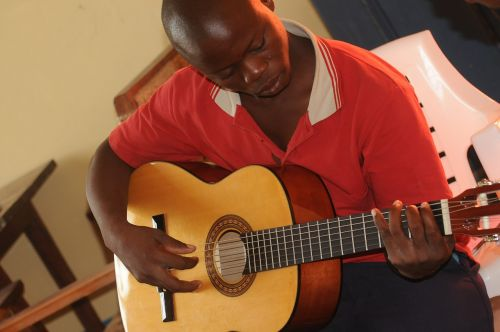 mozambique guitar lessons learning