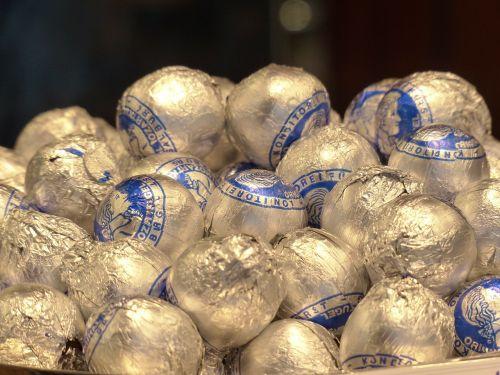 mozartkugeln chocolates sweetness