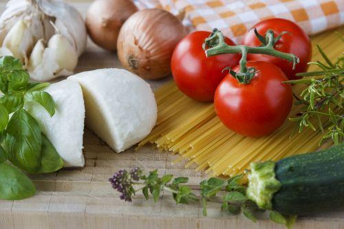 mozzarella tomatoes herbs