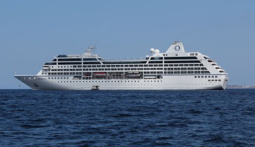 ms insignia r class of cruise ship excursionist – a person taking
