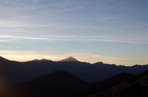 mt sunrise silhouette