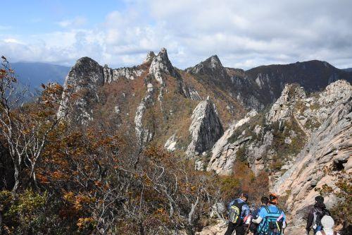 mt seoraksan landscape climbing
