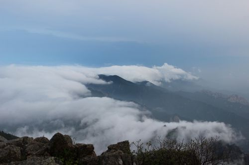 mt seoraksan daecheong bong cloud