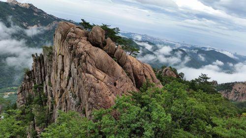 mt seoraksan mountain rock