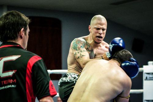 muay thai fight combat
