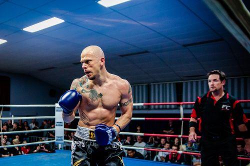 muay thai fighting kickboxing
