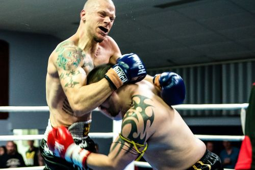 muay thai gym fight