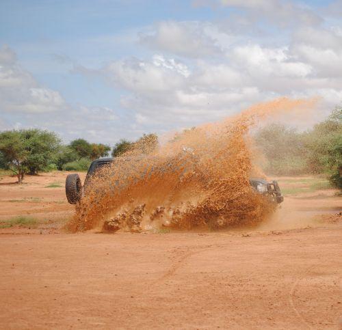 mud 4x4 splashes