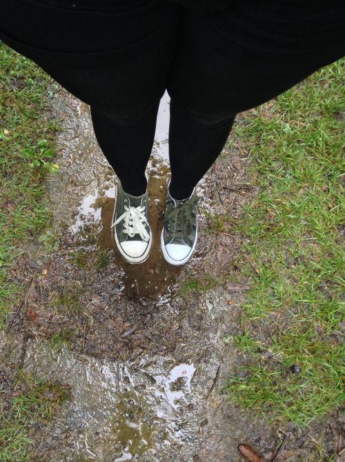 mud dirty feet