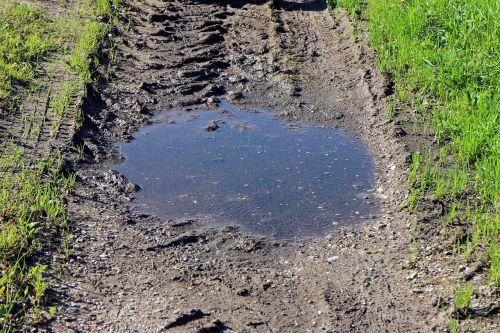 mud pool puddle