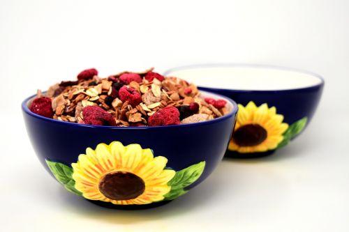 muesli bowl healthy