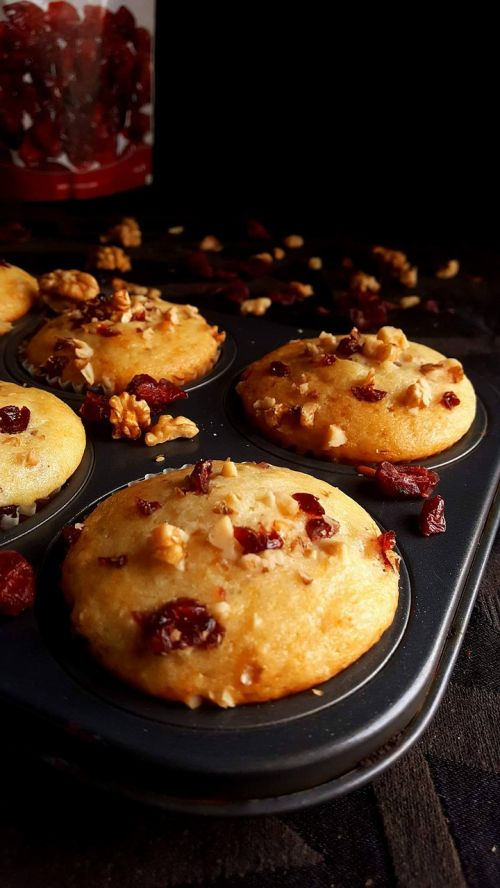 muffins cranberries nuts